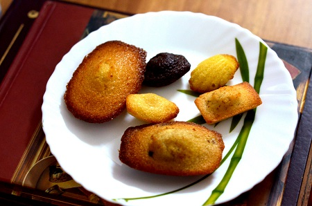 Shuktara Cakes patisserie - Assorted Madeleines