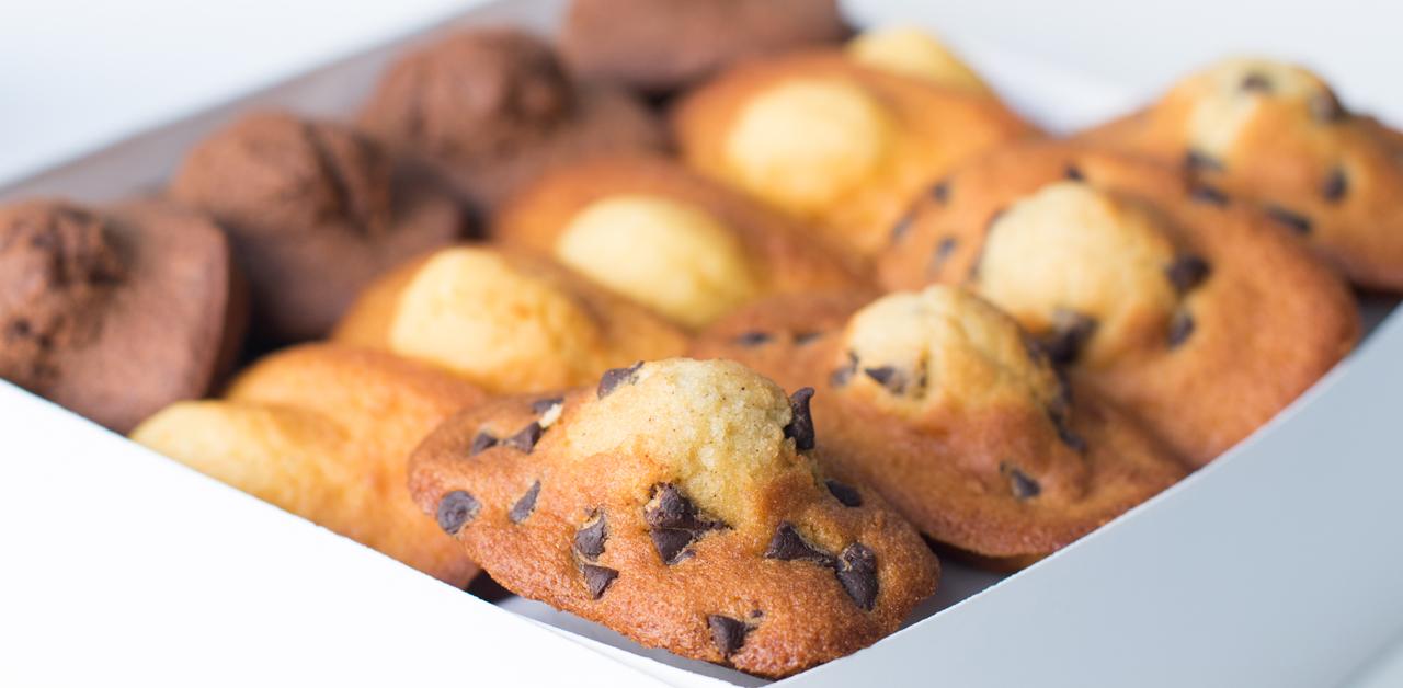 Shuktara Cakes - madeleines in a box